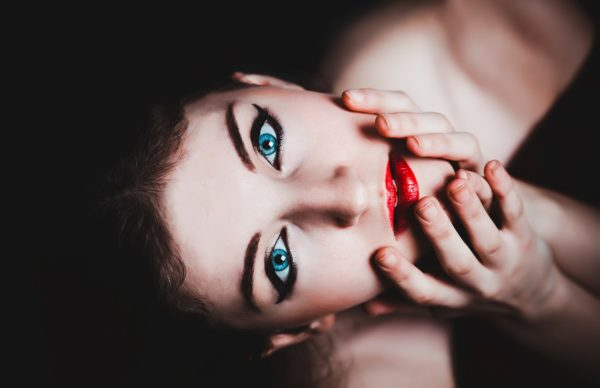 blue-eyes-237438_1280