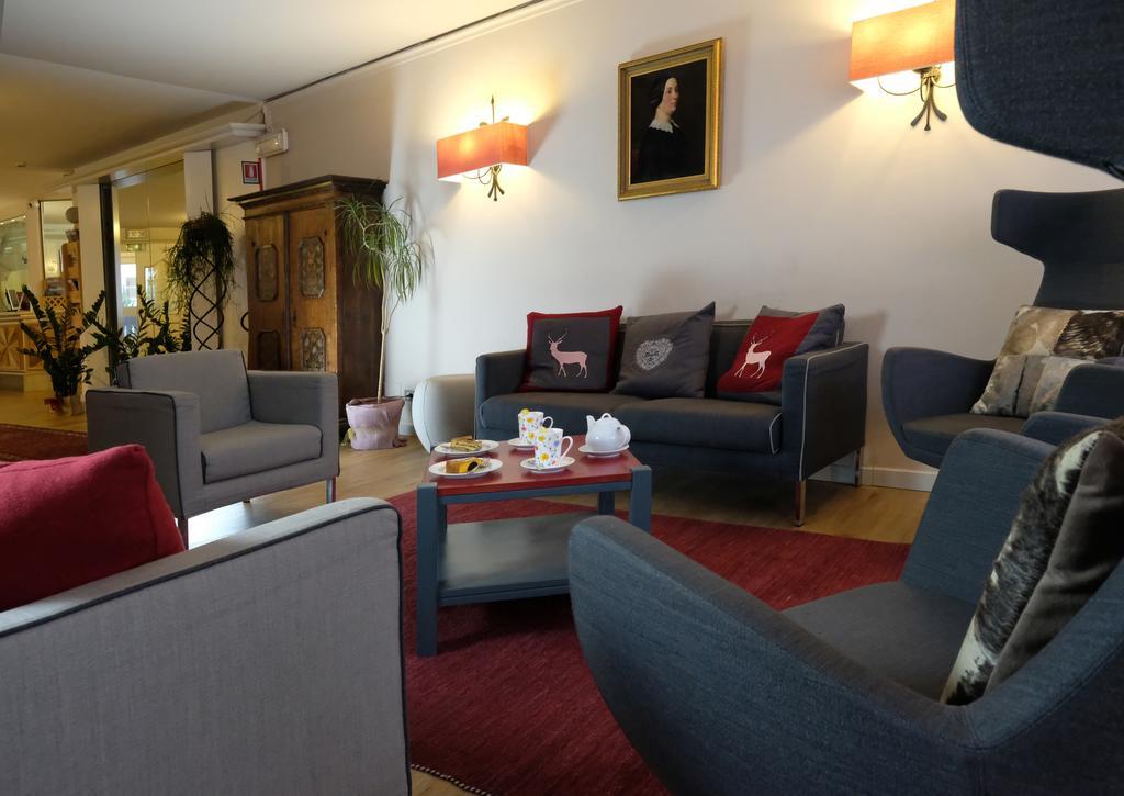 Veronza Hotel narty z ATJ Lingwista (2) recepcja