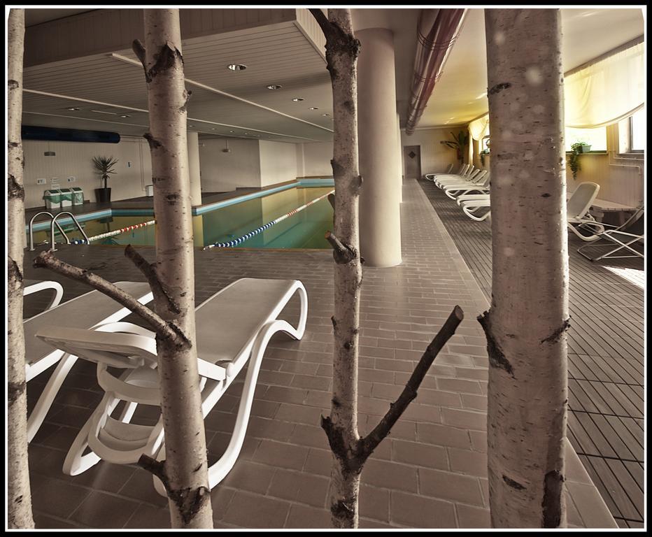 Veronza Hotel narty z ATJ Lingwista (4) basen