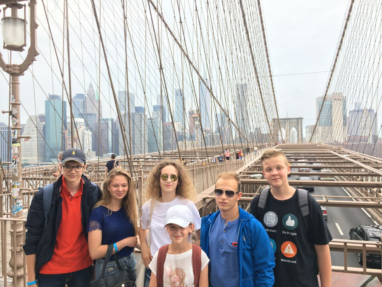 oboz jezkowy NY - grupa na Brooklyn Bridge - ATJ Lingwista