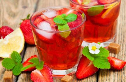 przepis na orzeźwiający napój truskawkowy