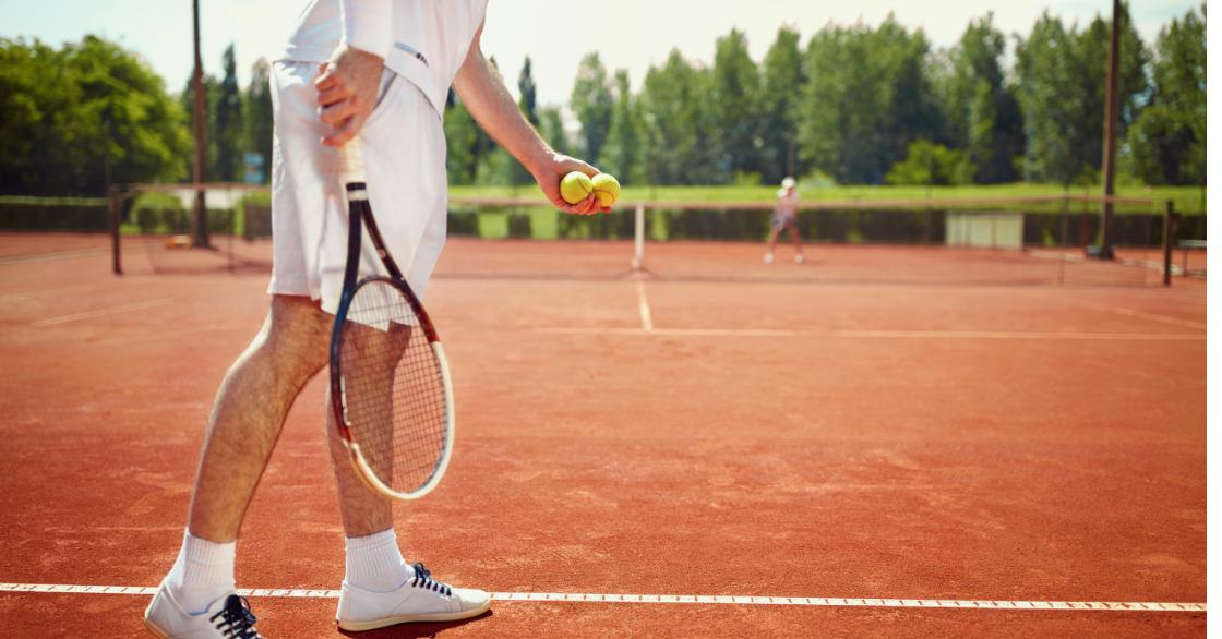 granie w tenisa